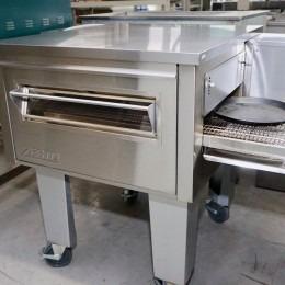 Zesto pizza band oven tweedehands